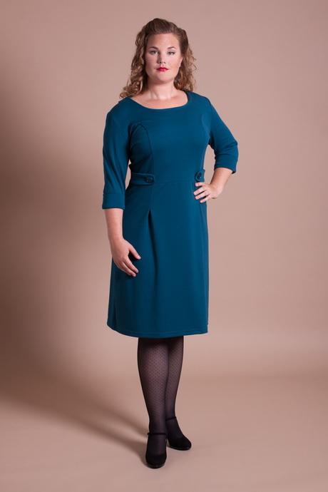 Fijne grote maten jurken voor iedere dag Ook voor de gewone dag is het fijn dat je af en toe (of altijd!) een jurk kunt dragen. Denk hierbij aan basic jurkjes van zachte stoffen waar je je vrij in kunt bewegen.
